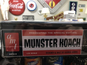 2010 AMT #619 SPECIAL EDITION MUNSTERS KOACH, DRAG-U-LA w Collectors Tin 2-3160