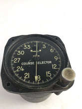 Load image into Gallery viewer, WW2 Course Selector Gauge Serial No.8841 -5320