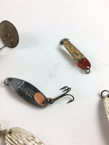 Vintage Fishing Lures Lot Of 8 5035