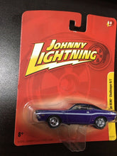 "Load image into Gallery viewer, Johnny Lightning ""1970 Dodge HEMI Challenger R/T"""