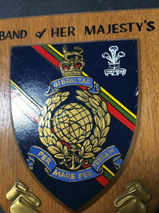 BAND OF HER MAJESTY'S ROYAL MARINES PLYMOUTH WALL PLAQUE - LOT 4118R