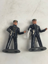 "Load image into Gallery viewer, Vintage Lot Of (2) Lead Barclay ""Officer"" Figures- 5757"
