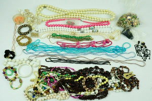 Bin Lot of Assorted Costume Jewelry - lot 2486