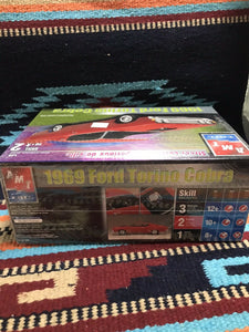 AMT ERTL 1969 FORD TORINO COBRA 1/25 Scale Model Kit 31745 NEW SEALED-9011