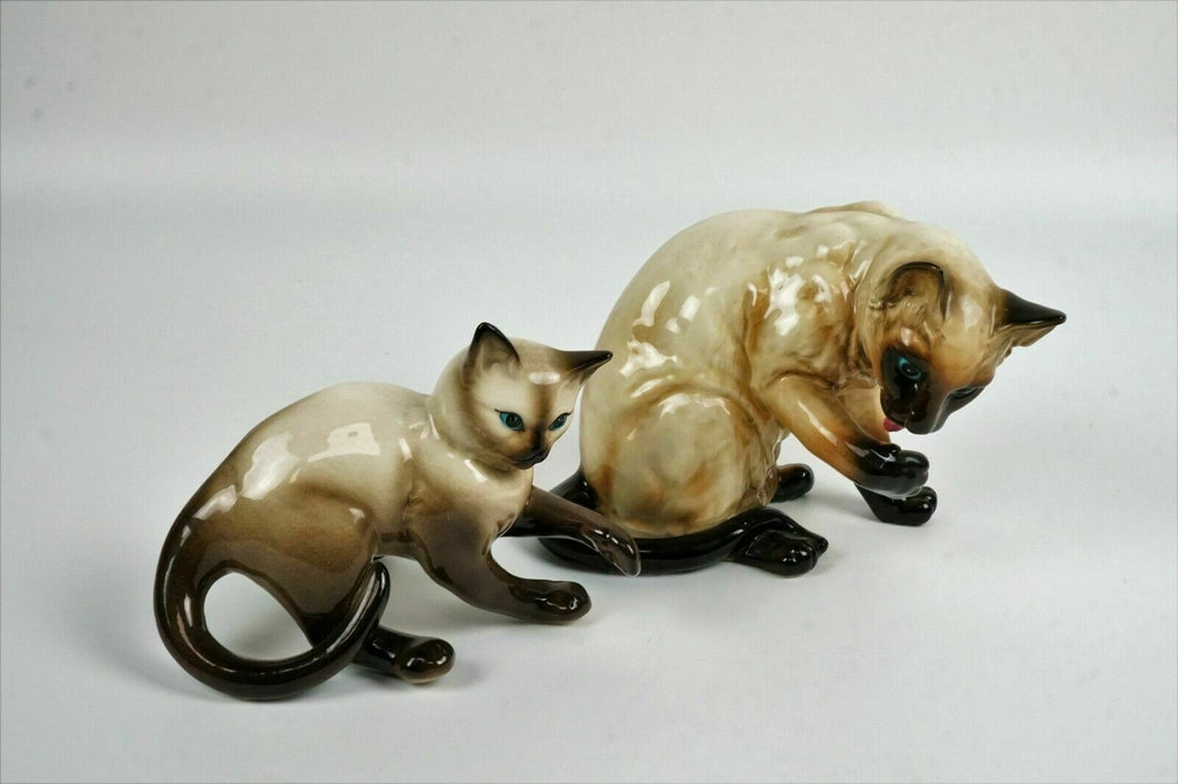 (2) NAPCO WARE CAT FIGURINES - lot 2788
