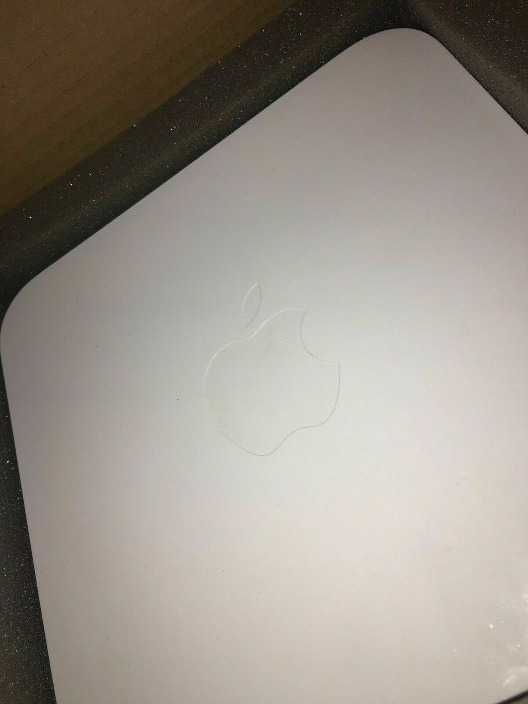 Apple Airport Extreme Base Station A1301 Compact Internet Router 4708