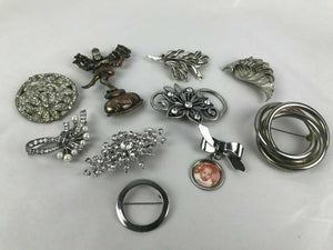 Lot of (10) Silver Toned Pins / Brooches - lot 2575