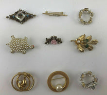 Load image into Gallery viewer, 9pcs ASSORTED COSTUME JEWELRY BROOCHES WITH PEARLS - LOT 3055