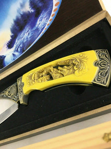 Deer And Wolf Collectors Knives 4723