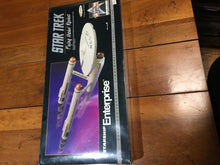 Load image into Gallery viewer, Star Trek Starship Enterprise Flying Model Rocket 25th Estes
