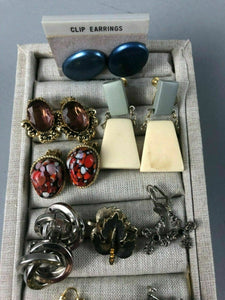 24 PAIR ASSORTED COSTUME JEWELRY EARRINGS - CLIP ON & SCREW BACK - LOT 3506