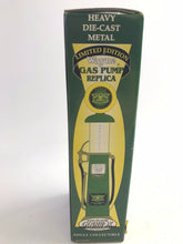 Load image into Gallery viewer, NEW GEARBOX JOHN DEERE WAYNE 1:25 SCALE 1920' S GAS PUMP-5306