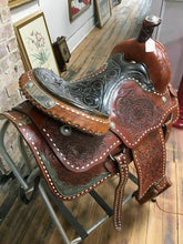 "Load image into Gallery viewer, Vintage Silver Show Saddle 17"" - Lot 4191"