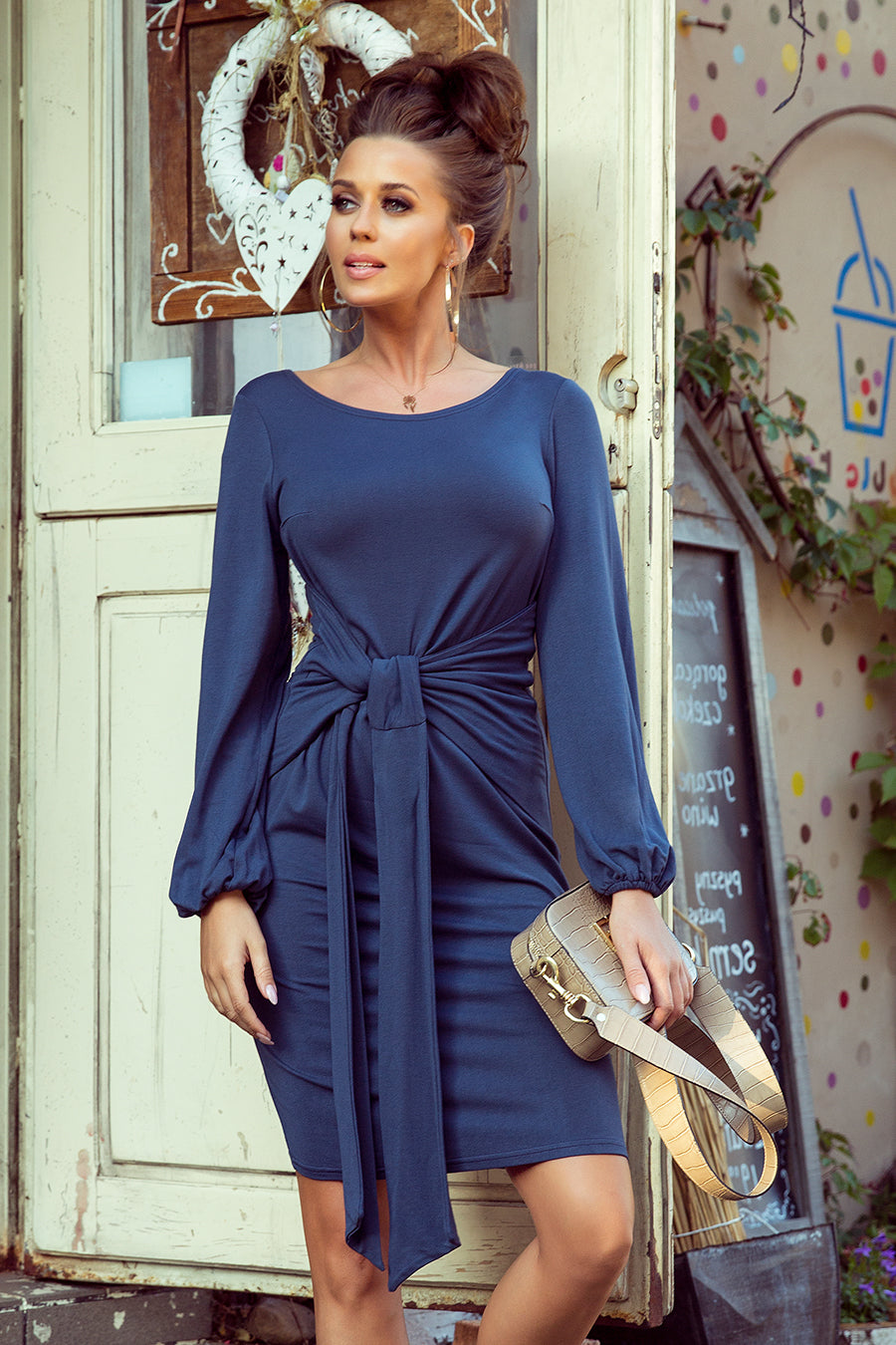 Comfortable Blue Dress with Binding at the Waist 1161621