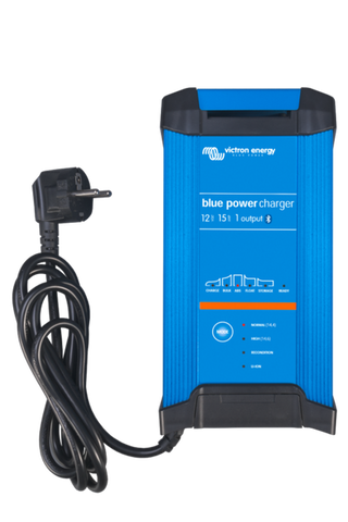 Blue Smart IP22 Charger 12/15 (1 or 3 Output) 230V