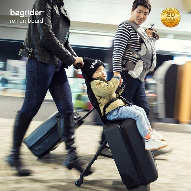 mountain buggy bagrider is an easy carry-on solution_black
