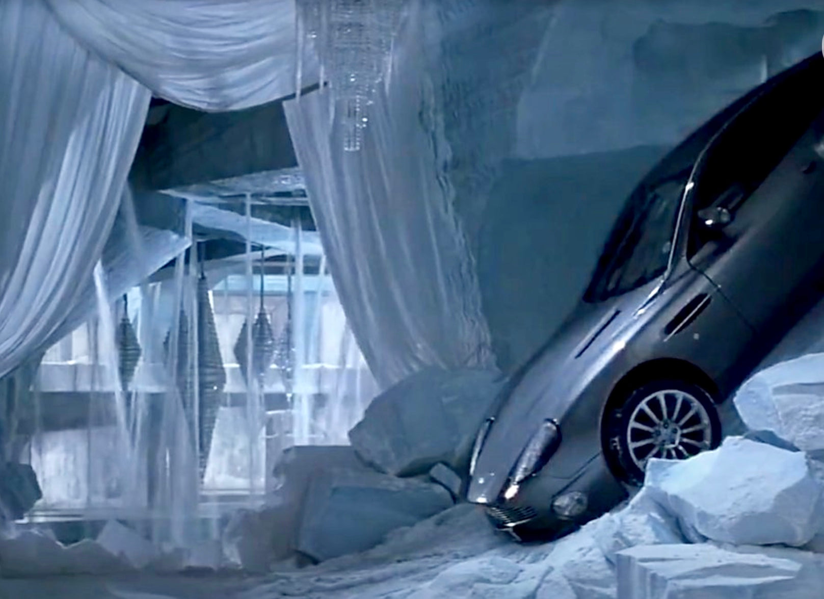 Die Another Day (2002) - Aston Martin Stunt Tyre Spike