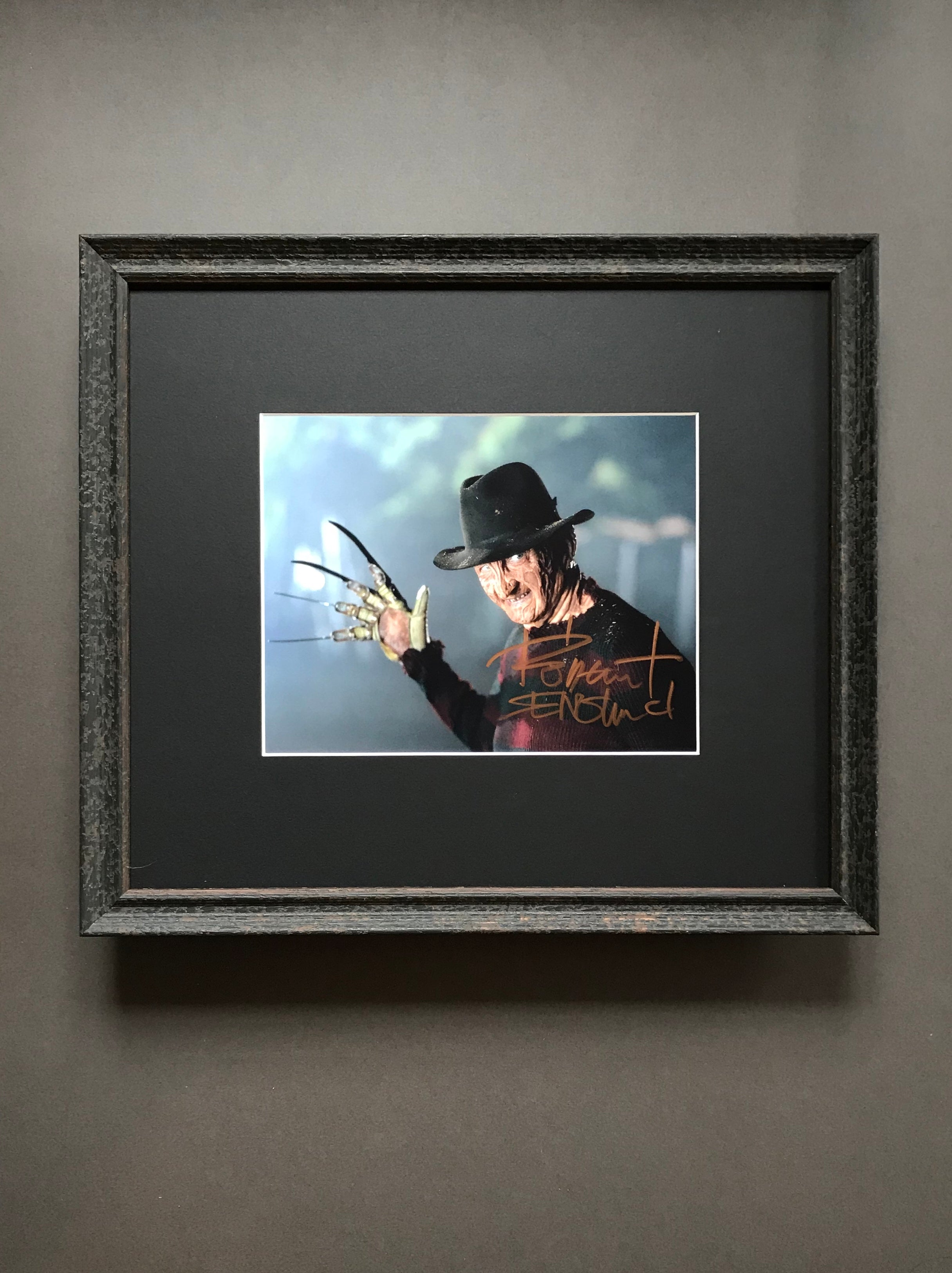 A Nightmare on Elm Street (1984 -) - A Framed Autographed Still