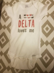 A Delta Loves Me Baby Body Suit Delta Sigma Theta Baby Body Suit