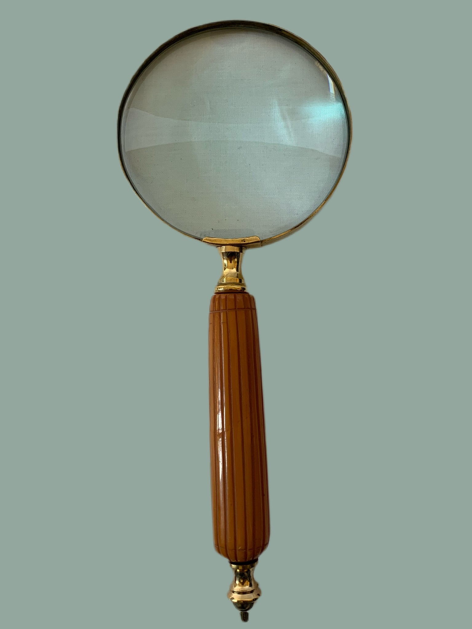 Brown handle Magnifier