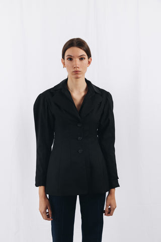 CINCHED WAIST BLAZER IN BLACK