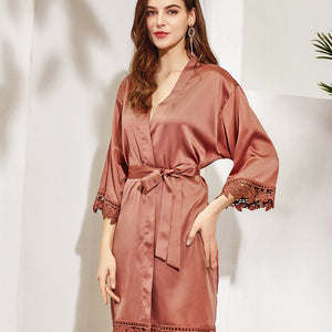 Customizable Satin Rose Lace Bridesmaid Robes (11 Colors)