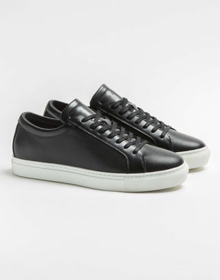 Sneakers cuir perforé noir