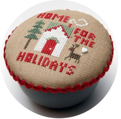 Holiday Home Pocket Round by Heart in Hand