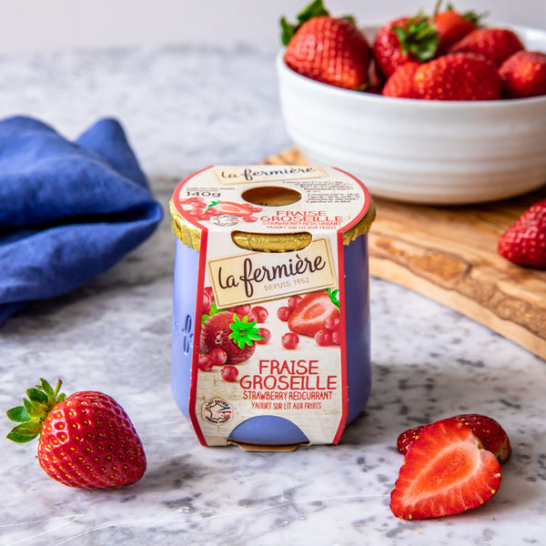 Strawberry and Red Currants Yogurt, La Fermière (140g)