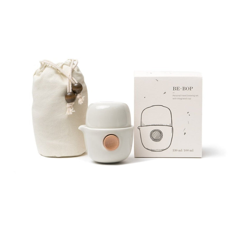 Be-Bop travel set - white  A travel set of Be-Bop portable teapot and carry pouch.  Paper & Tea