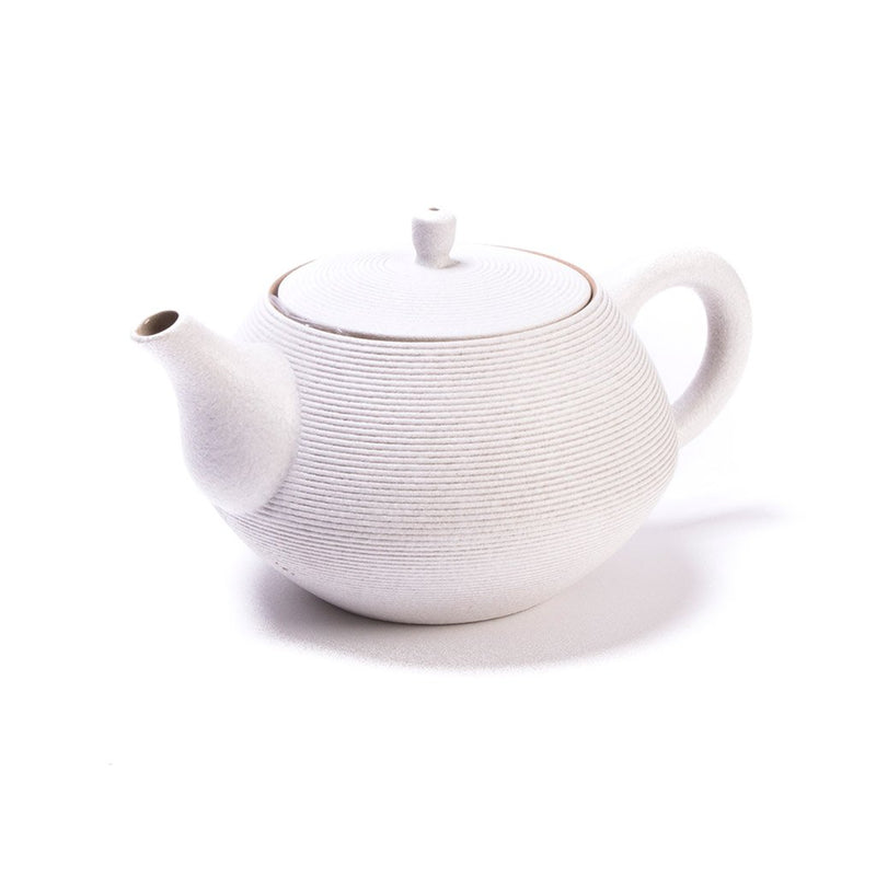 Zen Garden Pot white  A Taiwanese stoneware pot with integrated strainer: Holds 400 ml.  Teapot Paper & Tea