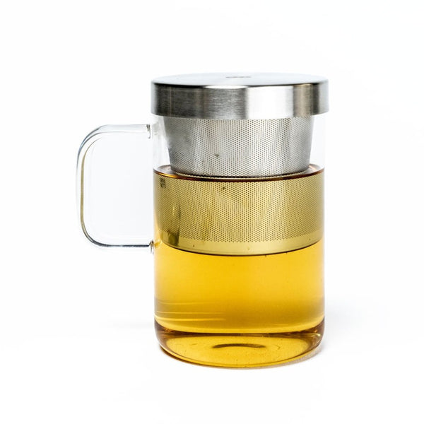 A borosilicate glass cup with a removeable strainer and lid: Holds 450 ml