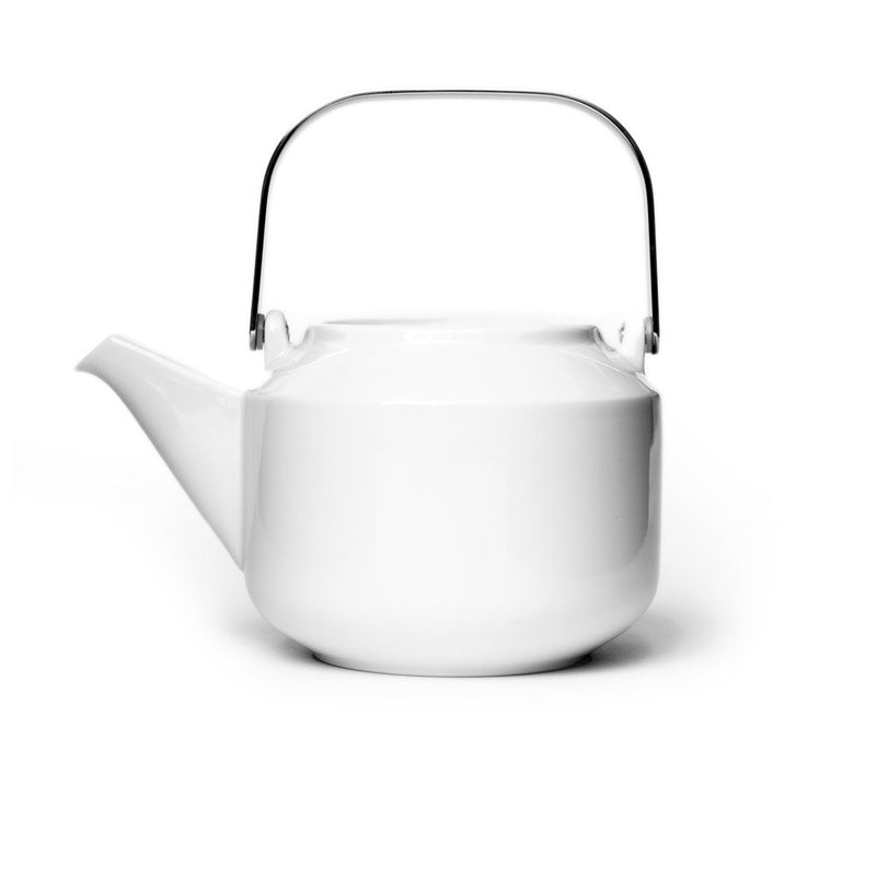 Leaves to Tea Teapot white  A porcelain teapot with removeable strainer: Holds 600 ml.  Teapot Paper & Tea