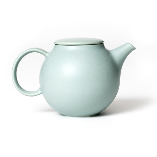 Pebble teapot green  A porcelain pot with removeable stainless steel strainer: Holds 500 ml.  Teapot Paper & Tea