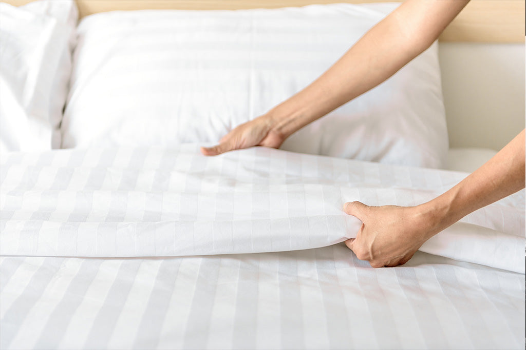 What's The Difference Between Flat & Fitted Sheets?
