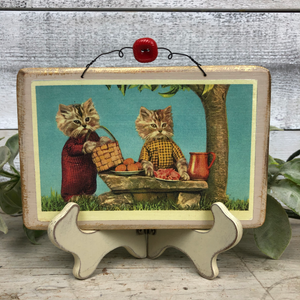 "Vintage Postcard Plaque Decor - ""Picnic"""