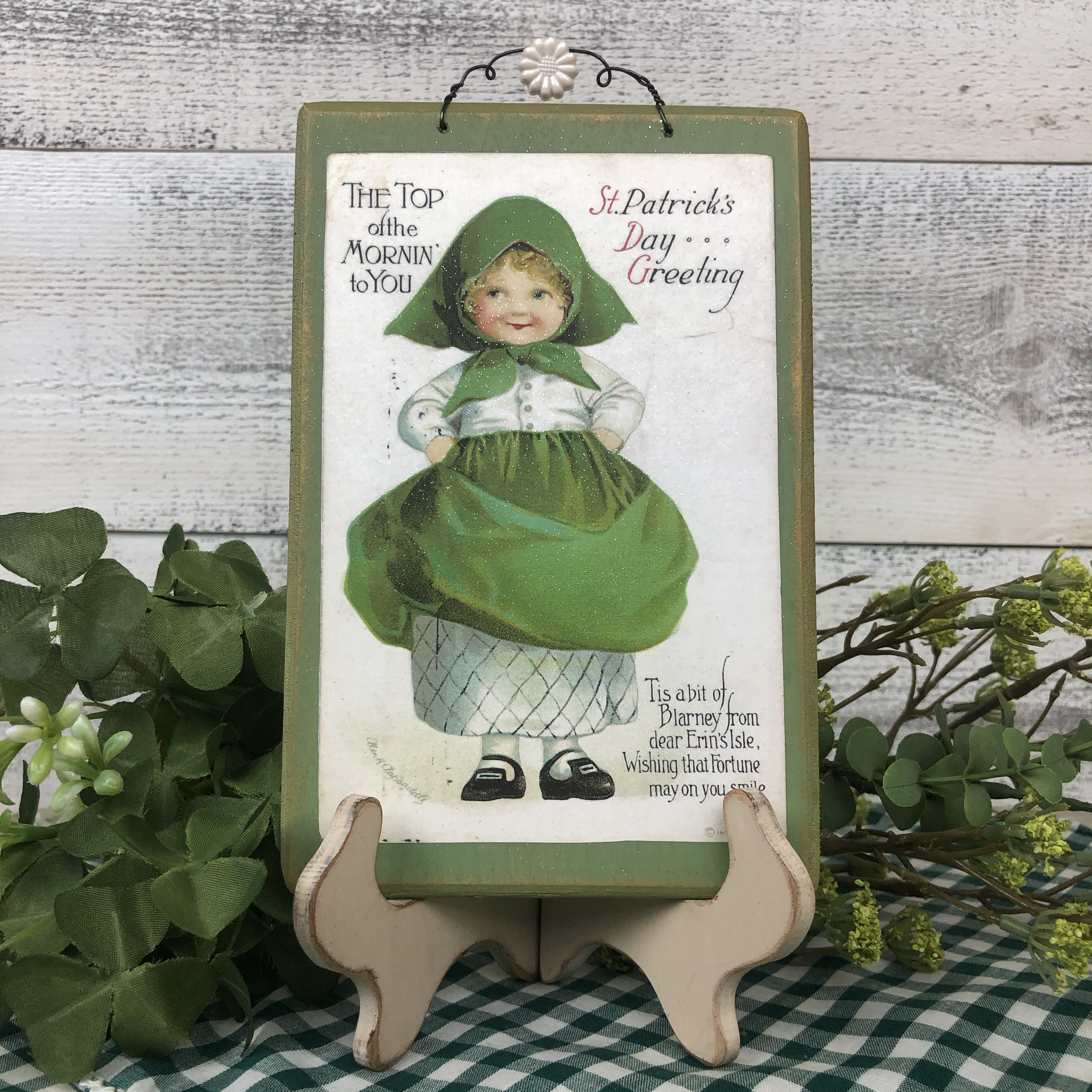 "Vintage Postcard Plaque Decor - ""Top of the Mornin"""