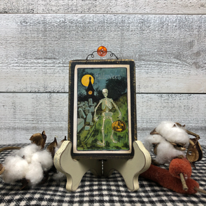 "Mini Vintage Postcard Plaque ""Spooky Skeleton"""
