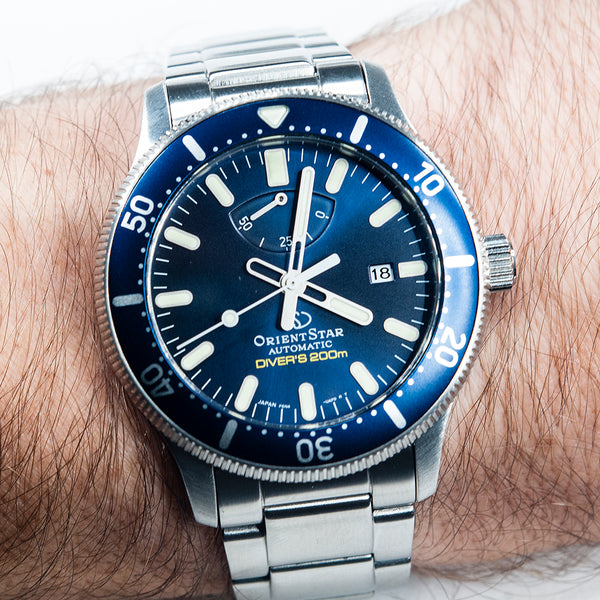 Orient Star Diver Watch review comparison 200m Blue RA-EL0002L00A RE-AU0302L00B on wrist bracelet