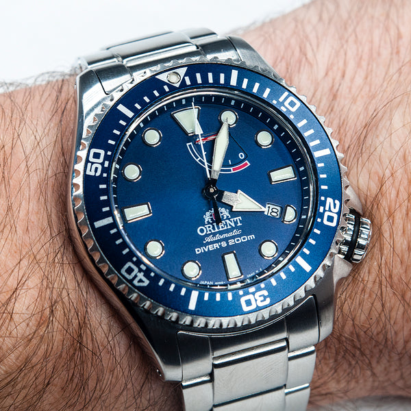 Orient Triton Neptune Star Diver Watch review comparison 200m Blue RA-EL0002L00A RE-AU0302L00B dial on wrist bracelet