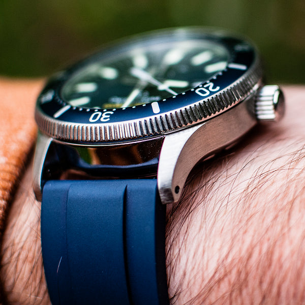 Orient Star Diver Watch review comparison 200m Blue RA-EL0002L00A RE-AU0302L00B on wrist