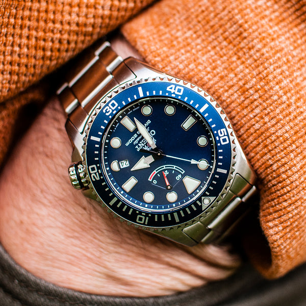 Orient Triton Neptune Diver Watch review comparison 200m Blue RA-EL0002L00A RE-AU0302L00B on wrist pocketshot pocket shot