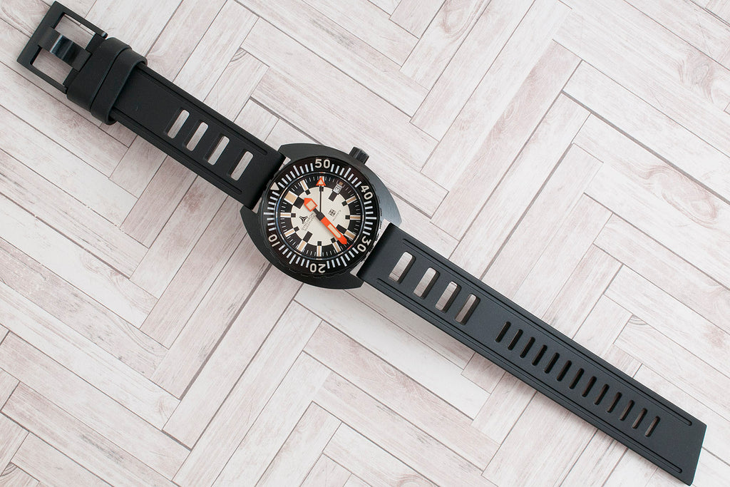 Synchron Military Watch Review Isofrane 20mm black buckle
