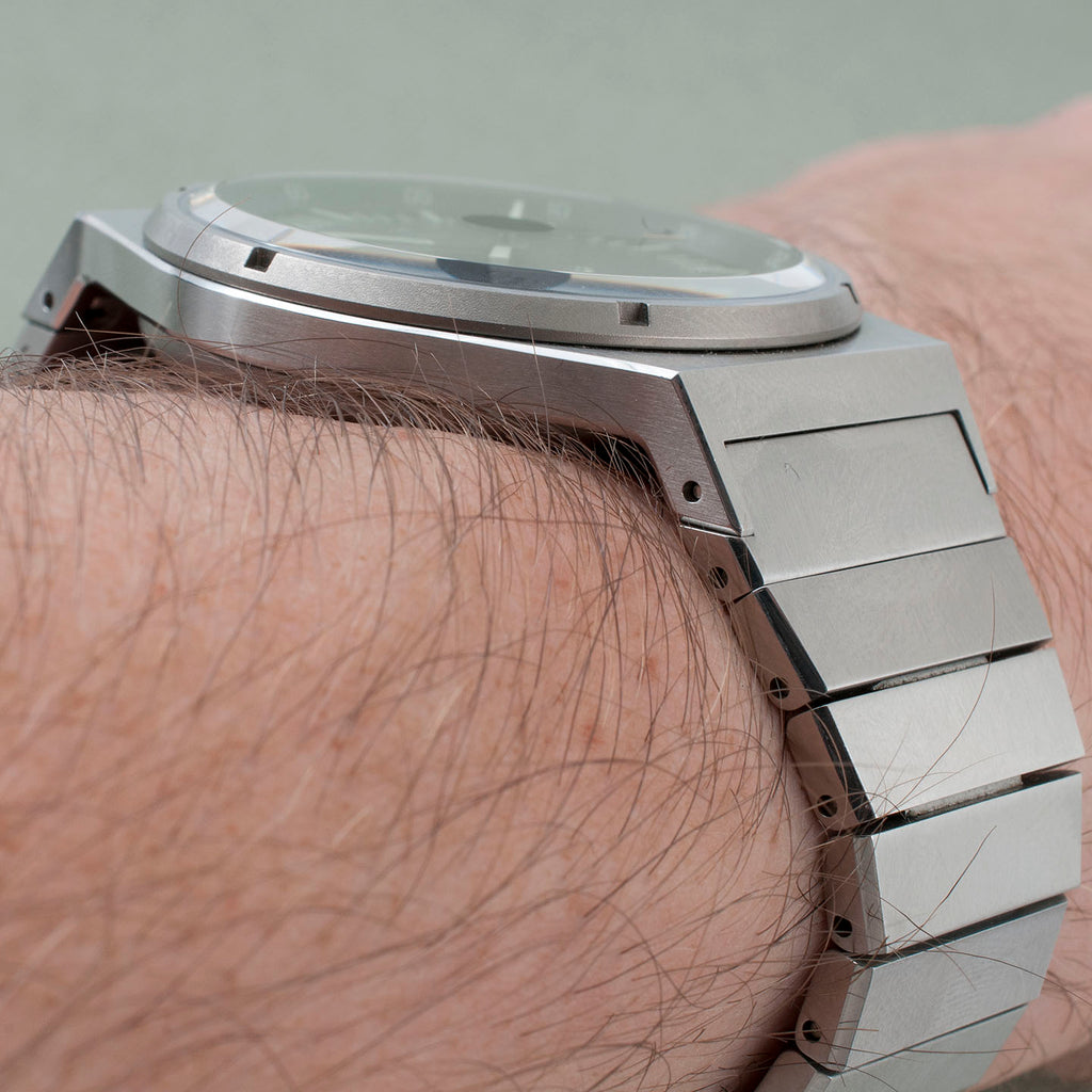 Autodromo Group B Series 2 Automatic Watch Review BP-005 thickness