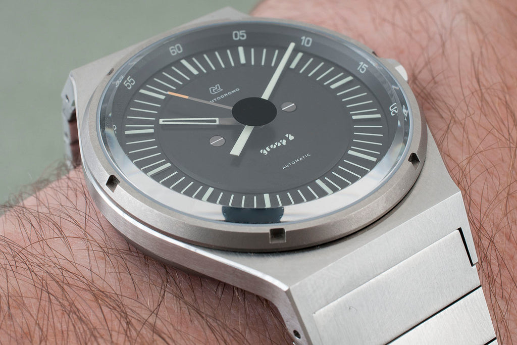 Autodromo Group B Series 2 Automatic Watch Review BP-005 sapphire crystal dial