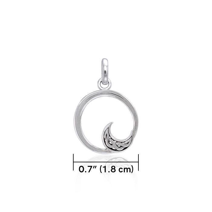 Round Silver Pendant with Celtic Crescent Moon TPD3850