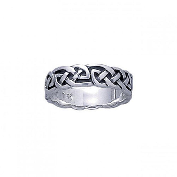 Finely Detailed Celtic Knot work Ring TR033