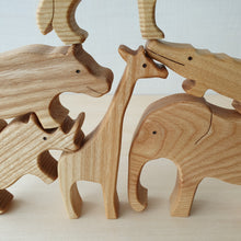 Load image into Gallery viewer, Handmade Wooden Wildlife Animals Puzzle (6 Piece)