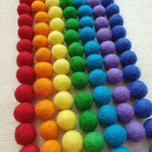 Load image into Gallery viewer, Felt Balls (1.5cm) - Rainbow (105 pieces)