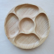 Load image into Gallery viewer, Wooden Tray - 5 Section Rubberwood Circle (25cm)